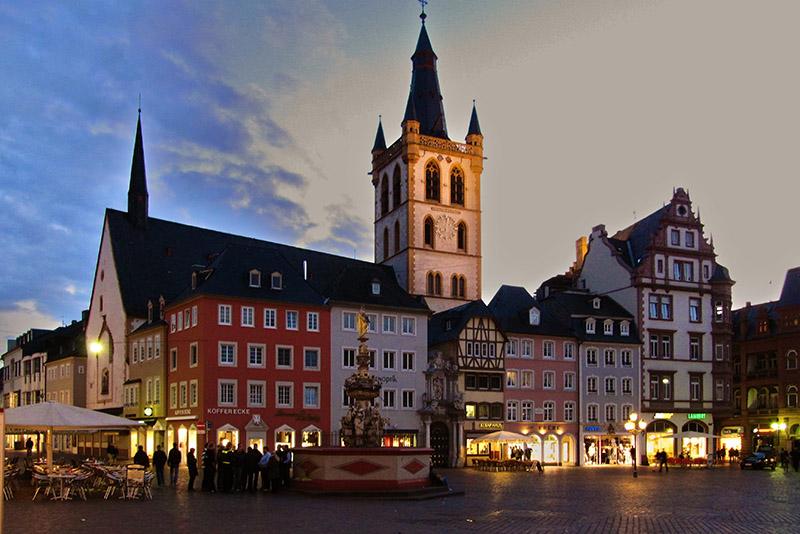 Hauptmarkt am Abend - Trier